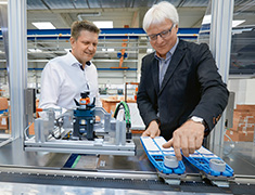 Koch Pac-Systeme, Germany: XTS at the core of a labeling and grouping unit in a packaging line for toothbrushes